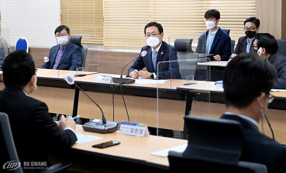 20201207_2020년 인천 일하기 좋은 뿌리기업 선정 시상식 (3).JPG